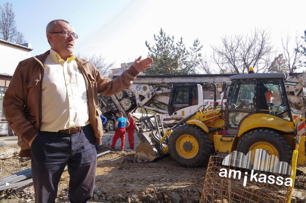 Dusza János az új  kassai kutatóközpont építkezésén